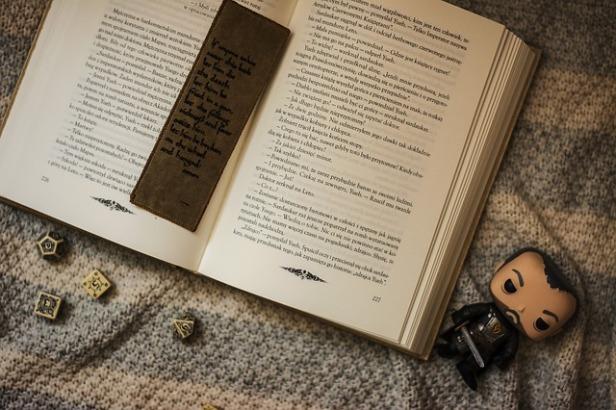 book-2395134_640